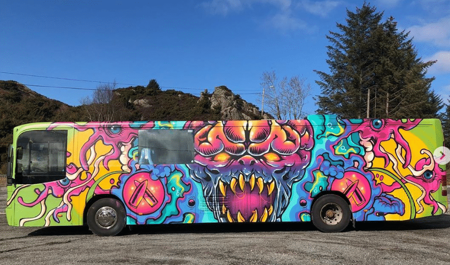twisted minds russebuss